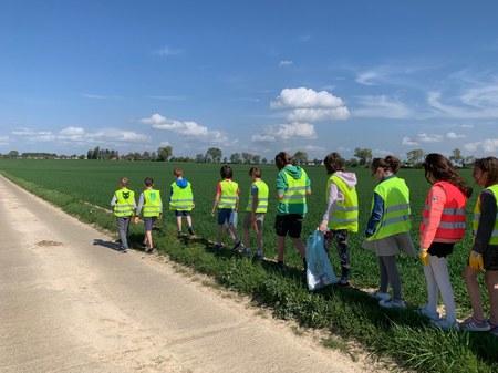 Une marche pour le climat organisée par les élèves des écoles communales de Walhain-centre et Tourinnes-Saint-Lambert.